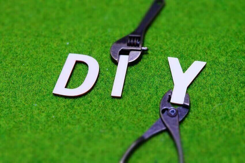 ガス給湯器のDIYって本気?修理、交換工事、排気・配管カバーの疑問を解説