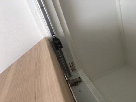 折れ戸|隙間調節