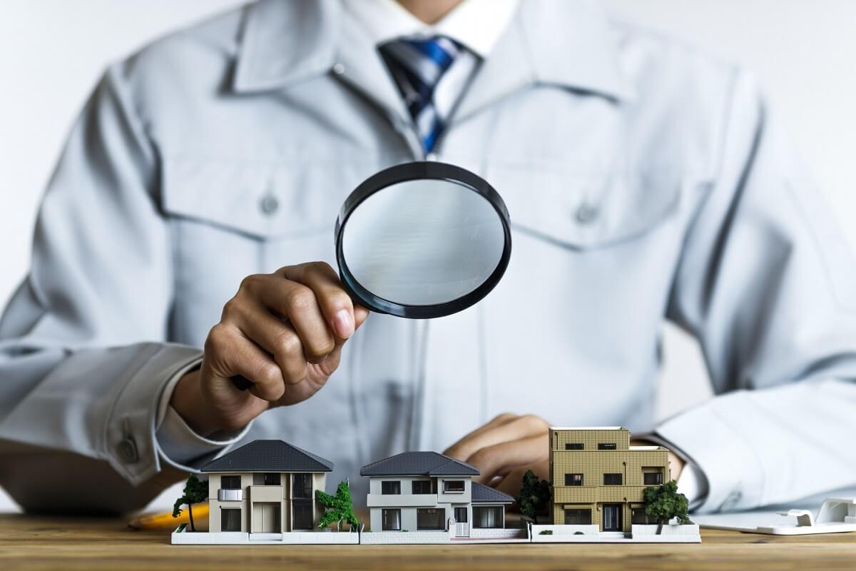 天井や壁紙に ひび が マンションや戸建て室内のひび割れ原因と対処法